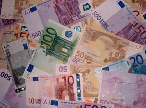 Dôvera voči Euru je slabučká