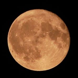 Dnes budeme môcť pozorovať spln mesiaca o 12% väčší